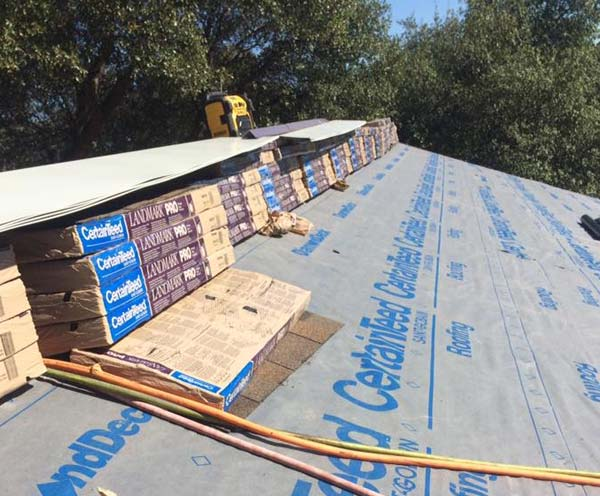 installing asphalt shingles from CertainTeed