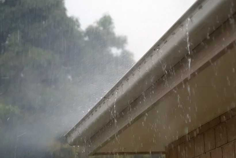 6 causes of overflowing rain gutters